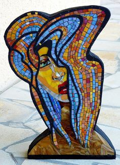 Irit Levy--this mosaic sculpture is on wedi board glued to styrofoam, which was then coated in thinset. Mosaic Tile Art, Mosaic Glass, Glass Art, Stained Glass, Mosaic Designs, Mosaic Patterns, Mosaic Projects, Art Projects, Mosaic Ideas