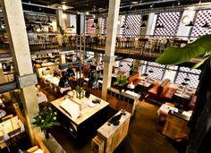Cafe de Paris Amsterdam (Rokin 83, former Bar Italia)   Bar & during daytime lunch restaurant Metropolitan.