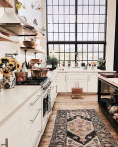 A mix of mid-century modern bohemian and industrial interior style. Home and apartment decor decoration ideas home design bedroom living room Küchen Design, Design Case, Home Design, House Exterior Design, Design Ideas, Graphic Design, Estilo Interior, Green Velvet Sofa, Sweet Home