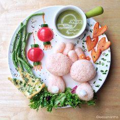Cette jeune maman d'origine malaisienne est une véritable artiste lorsqu'il s'agit de faire à manger pour ses enfants. En véritable chef, elle concocte des plats d'une beauté renversante ! Pas de doute qu'après avoir vu des plats pareils, ses enfants ont eu...