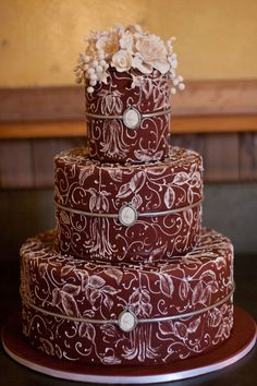 10 PERFECT MARSALA WEDDING CAKES, marsala cake, wedding ideas, wedding inspiration