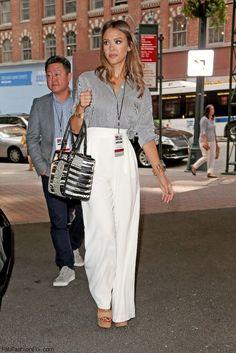 Jessica Alba street style with wide leg pants. #jessicaalba