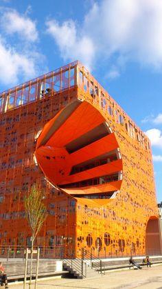 Le Pavillon des Sâlins - Lyon - Confluence (photo de Nathalie Bouillaud) #Lyon Monuments, Lyon City, French Architecture, Lyon France, Rhone, Loire, Rotterdam, Street Art, Beautiful Pictures