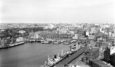 Circular Quay in Sydney from the southeast pylon of the Sydney Harbour Bridge in 1949.    🌹