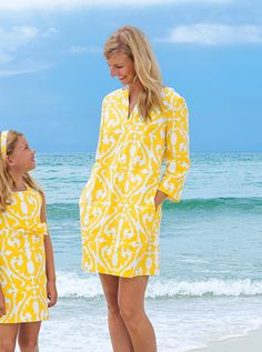 """Our yellow mother-daughter dresses show off well against the ocean background. Mother Daughter Poses, Mother Daughter Matching Outfits, Mother Daughter Fashion, Mom Daughter, Mommy And Me Shirt, Mommy And Me Outfits, Couple Outfits, Family Outfits, Kids Outfits"