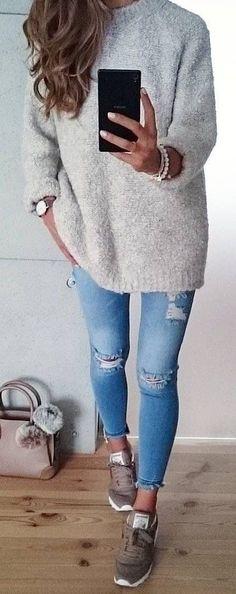 knit + skinny jeans + sneakers