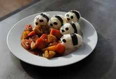 Panda Rice Balls and Japanese Curry Curry 4, Curry Rice, Curry Kitchen, Japanese Curry, Rice Balls, Foods To Eat, Vegan Foods, Cute Food, Rice Recipes