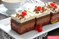 Jadranská torta - My site Romanian Food, Confectionery, International Recipes, Biscuits, Cheesecake, Food And Drink, Cooking Recipes, Sweets, Dishes