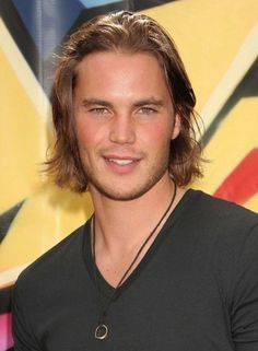 Jessica Simpson dating Friday Night Lights' star Taylor Kitsch?