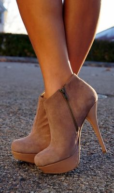Beautiful steve madden high heel boots