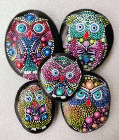 Dot Art Painting, Rock Painting Designs, Painting For Kids, Stone Painting, Mandala Artwork, Mandala Painting, Owl Rocks, Mandala Rocks, Rock Crafts