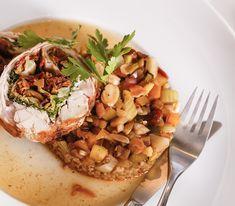 Caponata ist ursprünglich ein sizilianischer Gemüsesalat, den man aber auch als feine Beilage zu einem Fleischgericht servieren kann. Vegetable Dishes, Chicken, Meat, Vegetables, Food, Bulgur, Meat Dish, Stay At Home Mom, Peppermint