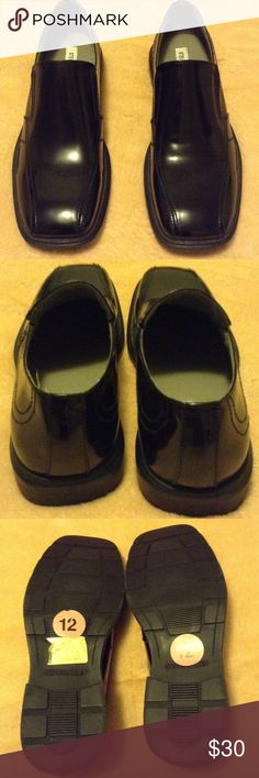 Steve Madden Men's Dress Shoes These are a great pair of men's dress shoes! Still in excellent condition. Worn only once, still has original tags on the soles. Black patten leather look. Slip on, no tie, no zip. Great gift for the man in your life. Ships immediately! Steve Madden Shoes