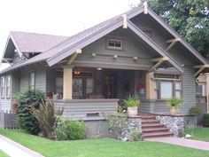 New exterior modern house colors craftsman style ideas Craftsman Bungalow Exterior, Bungalow Homes, Modern Craftsman, Craftsman Style Homes, Craftsman Bungalows, Craftsman House Plans, Craftsman Porch, Craftsman Cottage, Ranch Homes