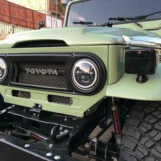 Toyota Fj40, Toyota Trucks, Jeep Cj7, Jeep Rubicon, Jeep Wranglers, Truck Camping, Jeep Truck, Range Rover Jeep, Range Rovers