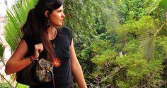 Model Maria mit Handtasche aus Peru. Hersteller: Kipu´s Art, Lima
