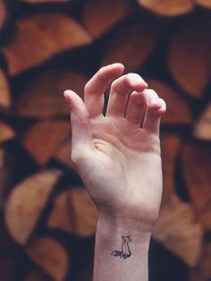 Perfekt für alle, die nach Inspiration für ein Mini-Tattoo suchen!
