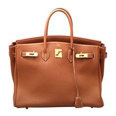 HERMES BIRKIN 35CM TOGO GOLD ❤ liked on Polyvore featuring bags, handbags, purses, borse, hermes, brown hand bags, brown handbags, man bag, gold bag and hermes handbags