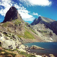 Pic et lac d'Arrious, pics d'Arriel