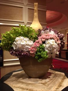 Beautiful flower arrangements at the Lobby of Encore, Las Vegas. Photo by Wendy Tomoyasu