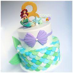 [ carson, california ]: little mermaid inspired cake 🐚. Ariel topper provided by customer 😁! Mermaid Tail Cake, Little Mermaid Cakes, Mermaid Birthday Cakes, Little Mermaid Parties, The Little Mermaid, Mermaid Scales, Sirenita Cake, Fete Emma, Ariel Cake