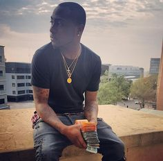 Ekpo Esito Blog: Singer Davido arrives in South Africa ahead of his...