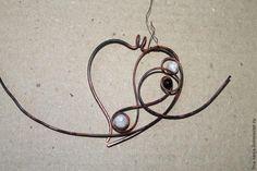 Как напоминание о прекрасной осенней поре, предлагаю сегодня сделать вот такую вот подвеску в виде листика 'Очарование осени' в технике wire wrap :) 1.
