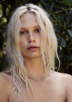 Deliah_shot Nylon Mag. Bleached blonde hair