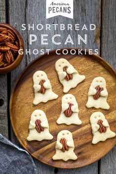 Shortbread Pecan Ghost Cookies – American Pecans These spookily sweet cookies will happily haunt your Halloween celebrations. Try making our Shortbread Pecan Ghost cookies with your little ghosts and ghouls! Halloween Desserts, Soirée Halloween, Hallowen Food, Halloween Treats For Kids, Spooky Treats, Halloween Appetizers, Halloween Goodies, Halloween Cupcakes, Holidays Halloween