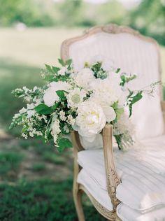 A Midwestern Wedding - Belle Lumière - Lauren Balingit  http://www.bellelumieremagazine.com/a-midwestern-wedding/