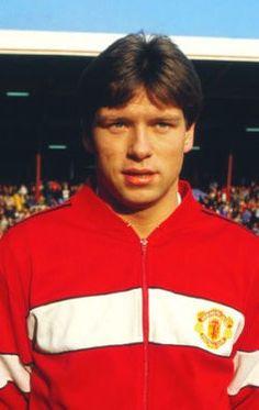 John Sivebaek Manchester United 1986 Retro Football, World Football, Manchester United Football, Red Army, Terrace, Kicks, Clock, The Unit, Hero
