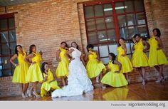 Vestidos de madrinha de todos os tipos e para todos os gostos na cor amarela! Lindos e suuuuper alegres! Vem ver!