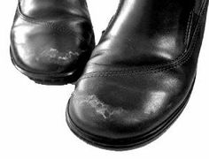 Use Vinegar To Remove Salt Stains From Shoes