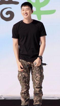 Follow @SuJuPacks on Twitter! #SuperJunior #Super #Junior #Wallpaper #Lockscreen #Eunhyuk #Hyukjae
