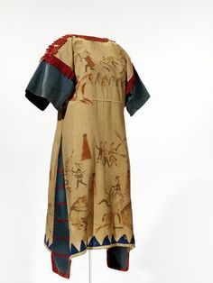 Sioux painted cloth dress I ca. 1890 I South Dakota I Muslin, blue denim, red wool, paint, thread Native American Clothing, Native American Women, American Indian Art, Native American Beading, Native American Indians, American Apparel, Folk Clothing, Bohemian Clothing, Sioux