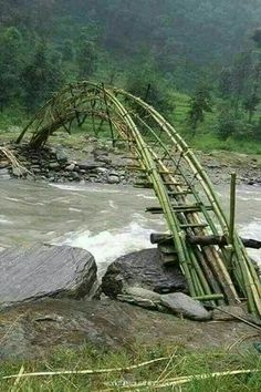 Old Bridges, Bamboo Structure, Bamboo Architecture, Bridge Design, Pedestrian Bridge, All Nature, Covered Bridges, Beautiful Landscapes, Parks