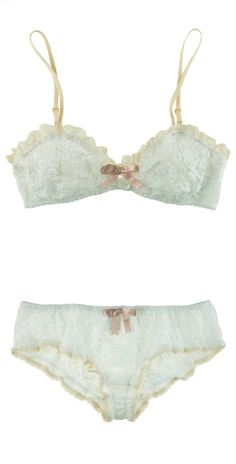 frogsandcrowns Annie bra. Frothy and beautiful.