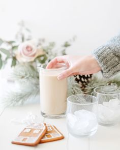 Perfect for the colder weather, we've drummed up a delicious Vegan Bailey's Irish Cream recipe to spruce up your holiday season. Vegan Eggnog Recipe, Vegan Baileys, After Dinner Drinks, Baileys Irish Cream, Irish Whiskey, Glass Of Milk, Coconut, Christmas Decor, Cocktails