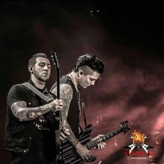 Synyster gates and zacky V Jimmy The Rev Sullivan, Zacky Vengeance, Synyster Gates, Welcome To The Family, Avenged Sevenfold, Music Guitar, Most Beautiful Man, Good Looking Men, Rock Music