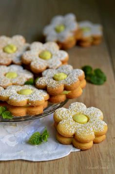 Cookie Desserts, Cookie Recipes, British Biscuit Recipes, Delicious Desserts, Yummy Food, Biscotti Cookies, Italian Cookies, Holiday Cakes, Easter Cookies