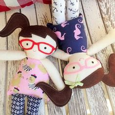 We love these darling dolls made using new Kid Giddy Doll die. Meet Summer and Splash!