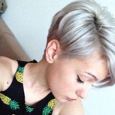 Weiß, Silber, hellblond, platinblond, Grau …., 11 der angesagtesten hellfarbigen Kurzhaarfrisuren
