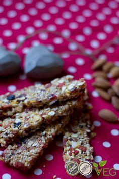 Barrette di cereali e frutti rossi - le ricette di lacucinavegetariana.it