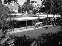 Ubicación: Buenos Aires, Argentina Arquitecto: Antonio Bonet Obra: Casa Oks Año construcción: 1953-1957