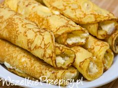 Passover Cheese Blintzes - You won't want to pass over these blintzes. Blintz pancakes made with matzo meal are stuffed with a creamy cottage cheese filling. Absolutely sublime when served with some good jam or preserves. Passover Recipes, Jewish Recipes, Passover Meal, Breakfast Recipes, Snack Recipes, Cooking Recipes, Easy Recipes, Cheese Blintzes, Matzo Meal