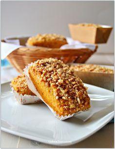 Minicake con farina d'avena, carote e nocciole!!!