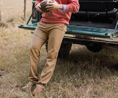 Great pant, made by a great company, at a great price. What's not to like? The Southern Marsh Seawash Grayton Twill Pant is the perfect everyday pant - great for the classroom, at the bar, at the tailgate, or anywhere else your heart desires.