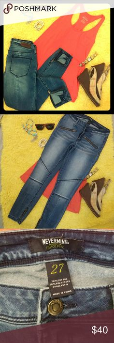 Sassy Skinnies!! NEVERMIND exclusively 4 Paper Fox These are in awesome jeans! Love them!! Very comfy and fun! Zippers up the ankles and front pockets. Dark wash. Very good condition Paper Fox Jeans Skinny
