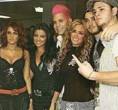 RBD antes de um show nos Estados Unidos