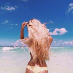 Image via We Heart It #girls #ocean #summer #surf #tropical